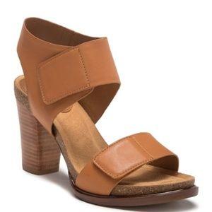 Sofft Cabana Leather Block Heel Sandal